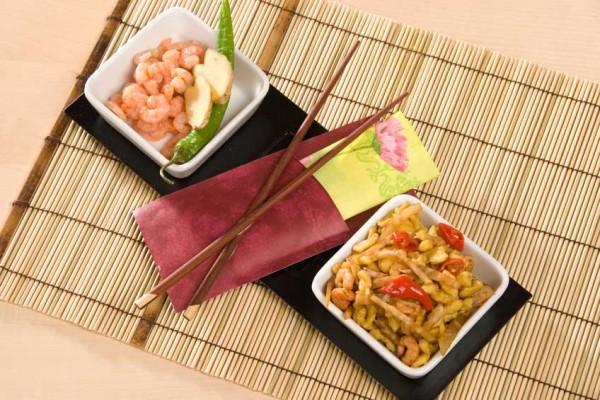 asiatische-spaetzle-shrimpsNNfcc60U3ixiE