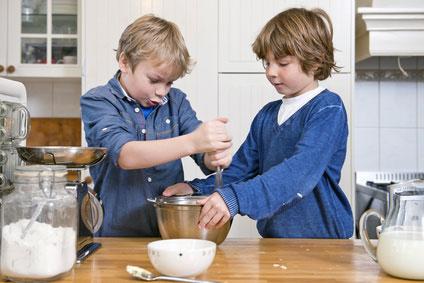 spaetzle-kochen-ist-kinderleichtwagdD4atCVOE4