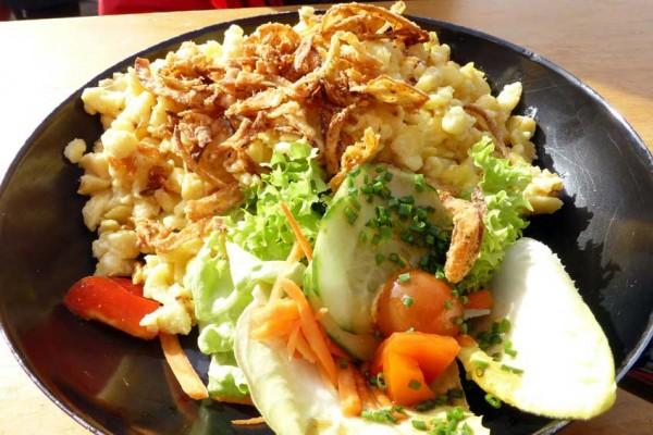 kaesespaetzle-salatbeilage